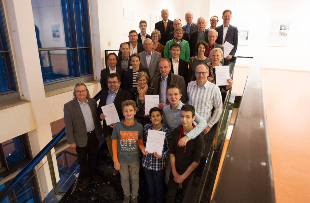 Umweltpreis-Preisverleihung Treppe Gruppenfoto