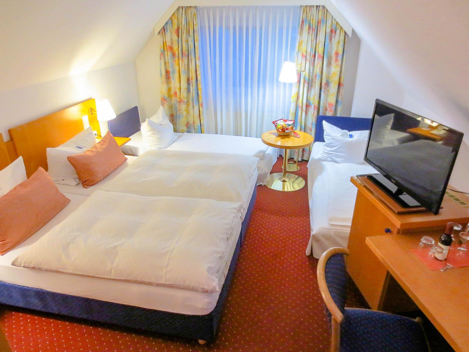 AKZENT Hotel Möhringer Hof - Vierbettzimmer