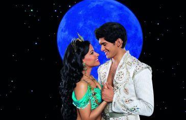 Jasmin und Aladdin bei Vollmond