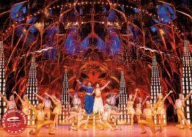 Musical Disneys ALADDIN - in der Höhle mit Flaschengeist Dschinni