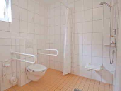 Barrierefreies Doppelzimmer Dusche