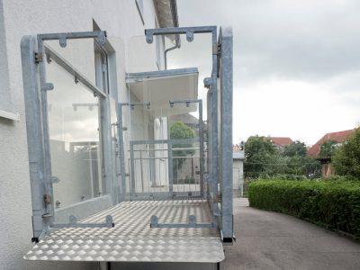 Barrierefreies Doppelzimmer Eingang Und Parkplatz